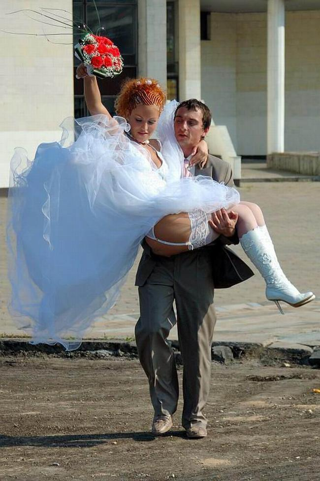 частное фото у невесты под платьем