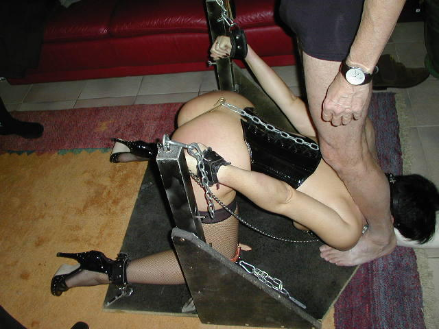 np nails bondage chair