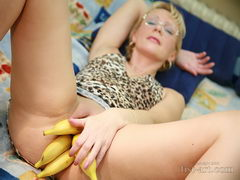 bananas in pussy