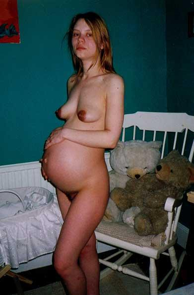 pregnant amateurs. This hot chick was very young when her boyfriend banged ...