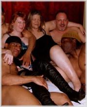 swingers club local horny girls Toulon Illinois.