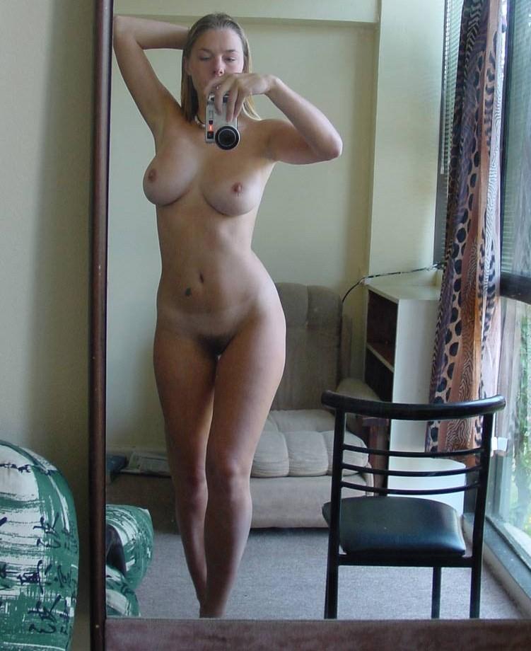Wide hips latina