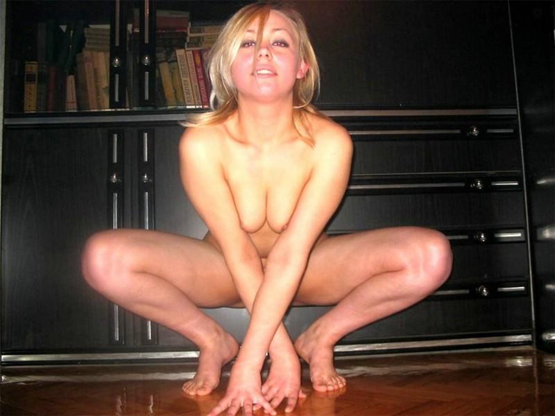 girls on dirt bikes nude