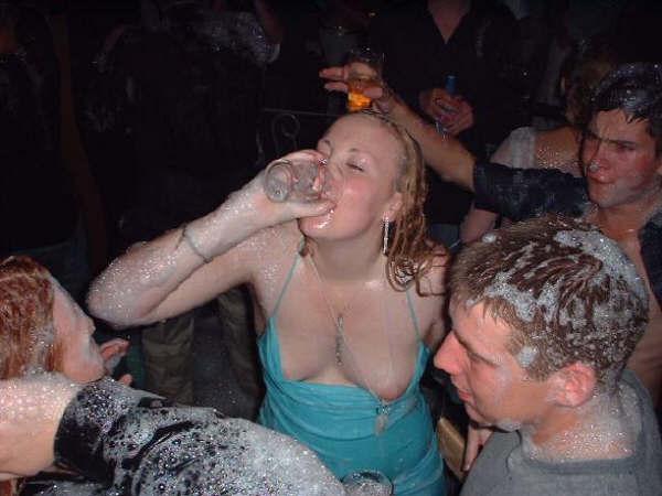 пьяные в сиську женщины фото на улице